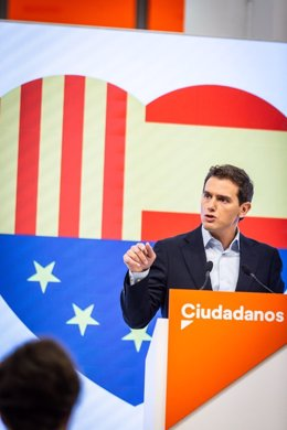 El president de Cs, Albert Rivera, en roda de premsa a la seu del partit.