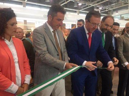 Junta defiende el sector ganadero en la inauguración de la XXIV Feria del Jamón y del Cerdo Ibérico de Aracena (Huelva)