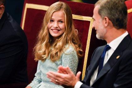 Leonor, de azul Borbón en su primeros Premios Princesa de Asturias