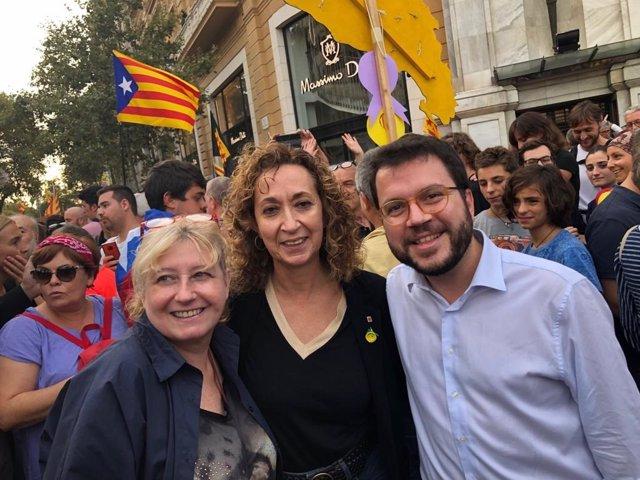 El vicepresident del Govern, Pere Aragons, i la consellera de Justícia, Ester Capella, en la manifestació de la vaga general del 18 d'octubre del 2019