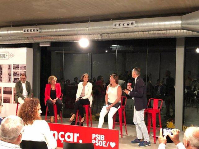 Los socialistas Cosme Bonet, Bàrbara Rebassa, Reyes Maroto, Francina Armengol y Pere Joan Pons, durante un acto de campaña en Alcúdia.