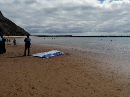 Un hombre muere tras sufrir un posible ahogamiento en la playa de Las Teresitas