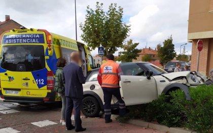 Dos heridos después de que un vehículo embistiera a otro tras quedarse sin frenos en Valladolid