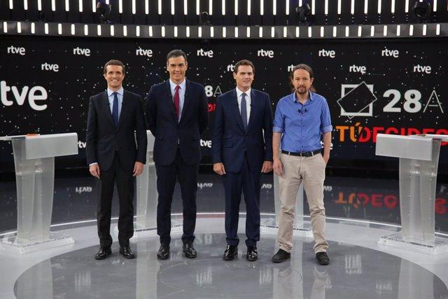 El president del PP, Pablo Casado; el president del Govern central, Pedro Sánchez; el president de Ciutadans, Albert Rivera; i el secretari general d'Unides Podem, Pablo Iglesias, al debat a quatre de RTVE.