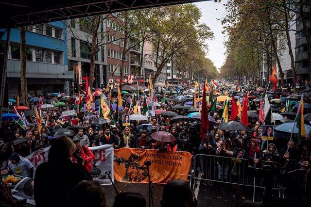 Manifestación kurda en Colonia (Alemania)