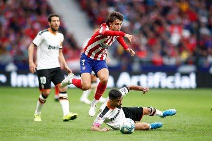 """João Félix sufrió """"una fuerte torsión"""" en el tobillo derecho durante el partido contra el Valencia"""