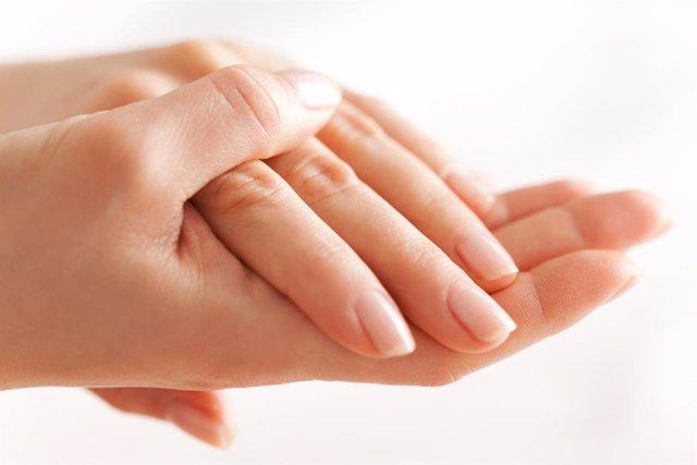 Manos, uñas y cuidado de la piel.