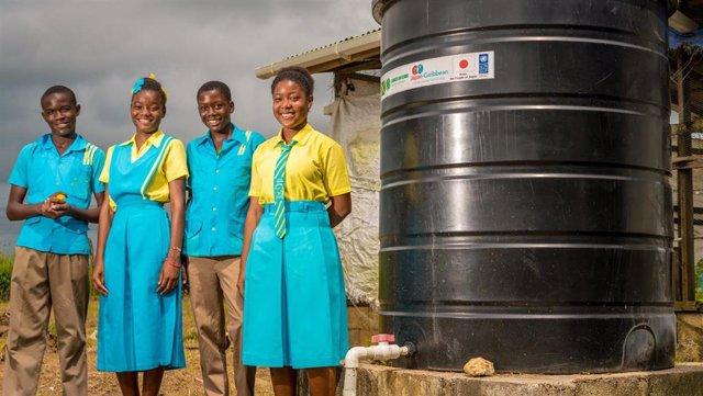 Programa de recogida de agua de lluvia en Jamaica