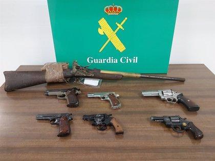 Incautan 7 armas ilícitas en inspecciones a comercios y empresas de paquetería y detienen a una persona