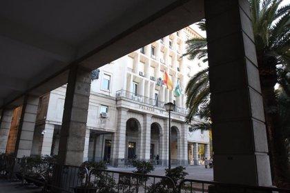 Fiscalía de Sevilla pide seis años de cárcel para cinco acusados de robar medio millón de euros del interior de un coche
