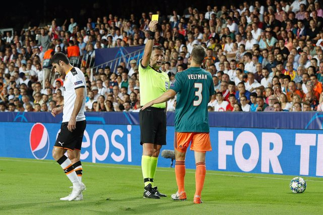 Fútbol/Champions.- El italiano Orsato arbitrará el Galatasaray-Real Madrid y el