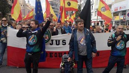 Unos 200 guardias civiles y policías nacionales cántabros exigen en Madrid la equiparación salarial