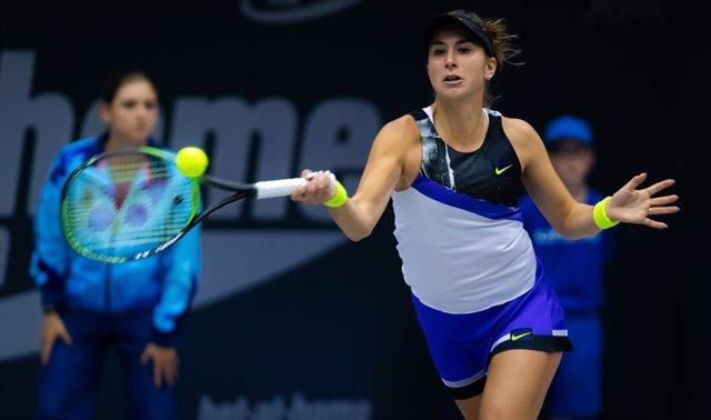 Tenis.- La suiza Bencic remonta a la rusa Pavlyuchenkova y gana el torneo de Mos