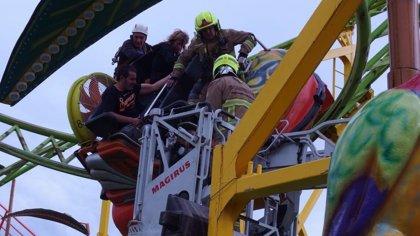 Rescatadas 9 personas, 5 menores, tras quedar atrapadas por una avería en una atracción de las ferias en Valdespartera
