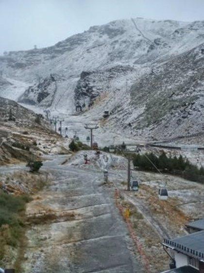 Sierra Nevada registra su segunda nevada y aclimata sus pistas para la nueva temporada
