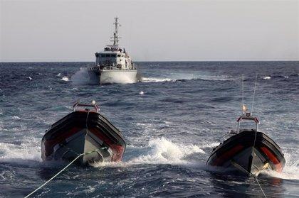 Guardacostas libios rescatan a 196 migrantes en dos operaciones en el Mediterráneo