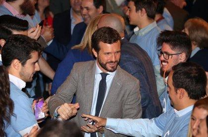 Casado descarta abstenerse con Sánchez y reivindica la centralidad para ensanchar el PP como hicieron Aznar y Rajoy