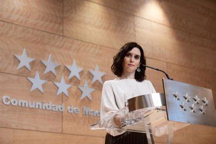 """Ayuso insta al PSOE a decidir si les parece bien """"el ejercicio de nepotismo continuado"""" de Móstoles"""