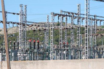 La cifra de negocios de la industria baja en Andalucía un 6,6% en agosto y la entrada de pedidos lo hace un 5%