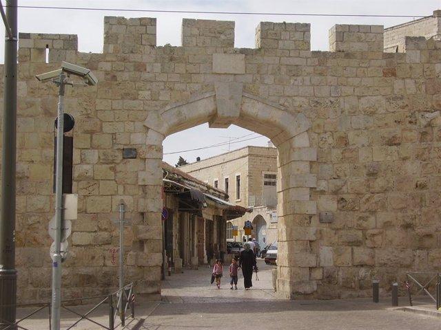 Excavada una calle de la Jerusalén construida por Poncio Pilato