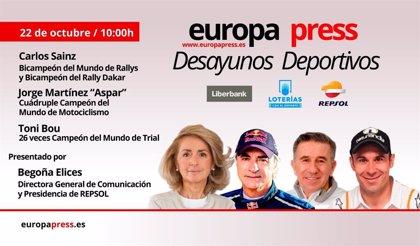 Aspar, Carlos Sainz y Bou repasan medio siglo de éxitos de Repsol en el motor en los Desayunos de EP