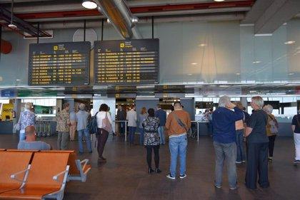 Las 'low cost' en Canarias crecen un 1,2% hasta septiembre y las aerolíneas tradicionales caen un 9,2%