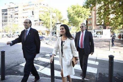"""Monasterio acusa a Sánchez de ser """"valiente"""" con los muertos al exhumar a Franco y """"cobarde"""" con los vivos en Cataluña"""