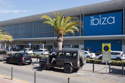 Los aeropuertos de Canarias y Baleares, entre los que más descendieron su tráfico diario en septiembre