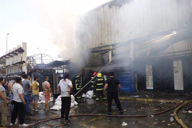 Incendio durante las protestas en Chile