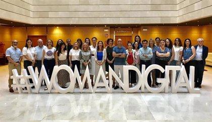 La Junta lanza una campaña para elaborar un directorio andaluz con mujeres profesionales del sector TIC