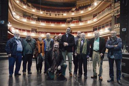 Juan José Otegui recibe un homenaje en el Teatro Campoamor