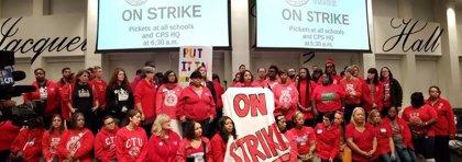 El profesorado de los colegios públicos de Chicago suma tres días de huelga indefinida