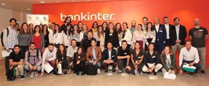 Expertos asesoran a los 21 emprendedores finalistas del premio de la Fundación 'máshumano' para mejorar sus proyectos