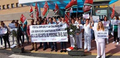 Protesta de sindicatos sanitarios en Sevilla por las bajas y permisos sin cubrir por el SAS