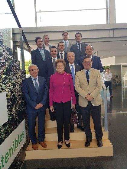 La embajadora de México en España destaca en Granada las oportunidades que abre su país a la inversión