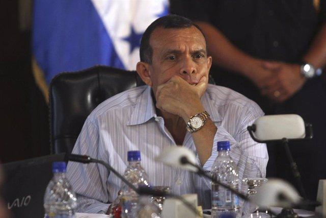 El ex presidente de Honduras Porfirio Lobo
