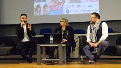 Carlos Álvarez y Fran Perea animan a derribar barreras y ponen en valor la creatividad en la educación