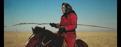 'Öndög' dibuja una sociedad mongola abocada, como los dinosaurios, a la extinción
