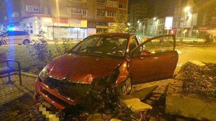 Da positivo tras saltar con su vehículo un bordillo y atravesar parte de la Circular de Valladolid