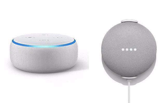 Els altaveus Amazon Tiro Dot (esquerra) i Google Home Mini (dreta).