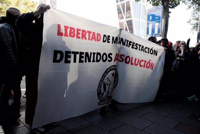 Joves integrants del Moviment Antirrepresiu de Madrid (arxiu).