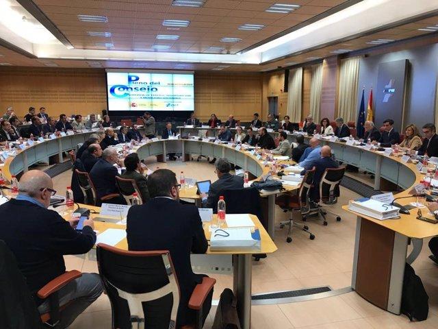 Pleno del Consejo Superior de Seguridad Vial celebrado este lunes 21 de octubre en la sede de la DGT en Madrid