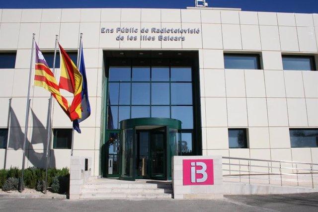 Fachada de la sede de IB3 en Son Bugadelles (Calvià).
