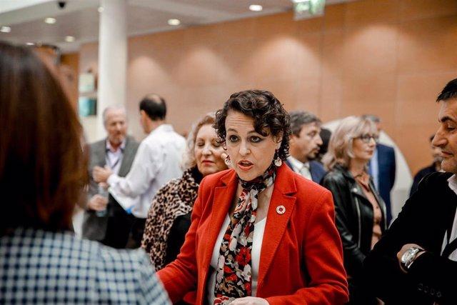 La ministra de Treball en funcions, Magdalena Valerio, en arribar a la inauguració de la jornada de la Unió de Professionals i Treballadors Autònoms (UPTA), '#YASomosFuturo', a Madrid (Espanya), 15 d'octubre del 2019.