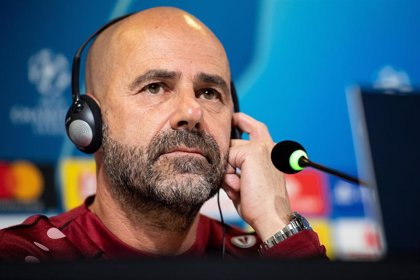 """Bosz: """"Si queremos hacer algo en la Champions, tenemos que sacar puntos donde no se espera que lo hagamos"""""""