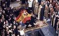 El Gobierno instalará un escáner y un detector de metales para que ni  la familia pueda grabar la exhumación de Franco