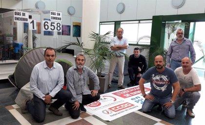 El comité de empresa de Endesa en Carboneras (Almería) se encierra de forma indefinida por el bloqueo del convenio