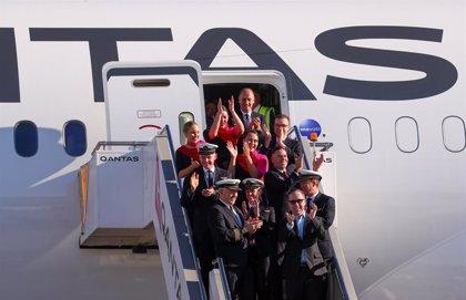 """El """"vuelo más largo del mundo"""" de Qantas aterriza en Nueva York tras casi 20 horas en el aire"""