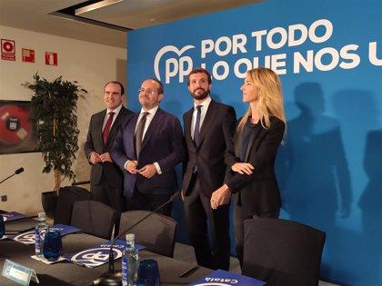 """Casado se propone como líder de la """"mayoría silenciosa"""" que busca convivencia en Catalunya"""