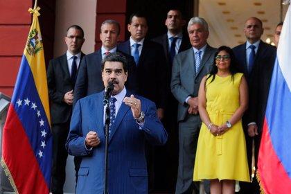 El Gobierno y la oposición minoritaria de Venezuela inician las negociaciones para renovar el CNE